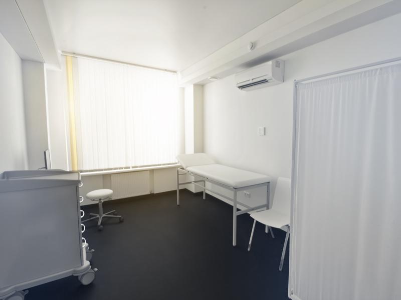 Untersuchungsraum,  examination room
